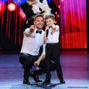 Подробнее: Сергей Лазарев в честь праздника показал совместное фото с детьми