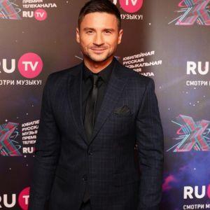 Подробнее: Сергей Лазарев впервые появился со своими детьми на конкурсе «Новая волна»