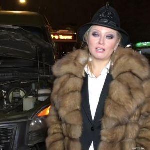 Подробнее: Лена Ленина попала в автомобильную аварию с военными
