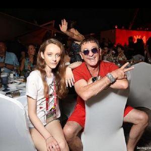 Подробнее: 17-летняя дочка Григория Лепса поделилась пляжным фото в бикини