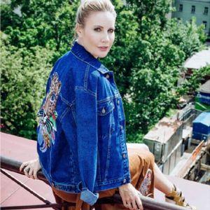 Подробнее: Елена Летучая учит носить тропические принты от дизайнера Кати Добряковой