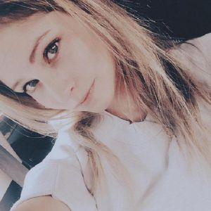 Подробнее: Юлия Липницкая получила профессию визажиста
