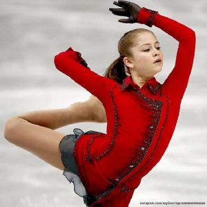 Подробнее: Почему Юлия Липницкая покинула профессиональный лед?