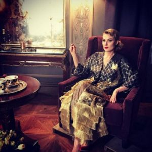 Подробнее: Рената Литвинова ходит в Париже на рынок с сумкой на колесах