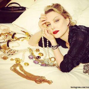 Подробнее: Рената Литвинова призналась в любви к винтажным драгоценностям