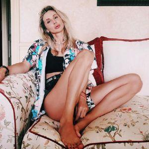 Подробнее:  Светлана Лобода показала свою растяжку в мини-шортах