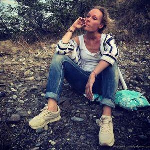 Подробнее: Ольга Ломоносова показала редкое фото с мужем и рассказала о переезде