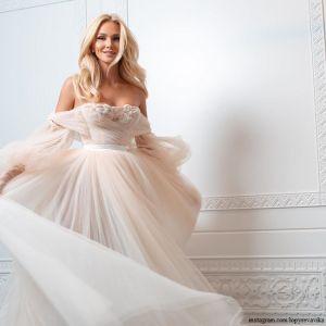 Подробнее: Виктория Лопырева, как выяснилось, уже вышла замуж