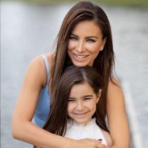 Подробнее: Ани Лорак взяла с собой семилетнюю дочь Софию на Премию МУЗ-ТВ