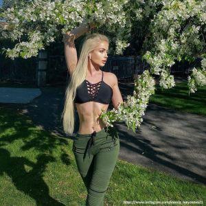 Подробнее: Живая Барби – Валерия Лукьянова истязает себя диетами