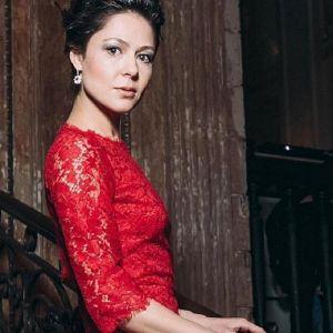 Подробнее: Елена Лядова выступила в роли ведущей на гала-ужине