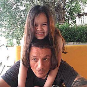Подробнее: Алексей Макаров смирился, что дочь умнее его
