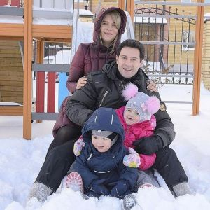 Подробнее:  Антон Макарский полюбил жену из-за бабушки