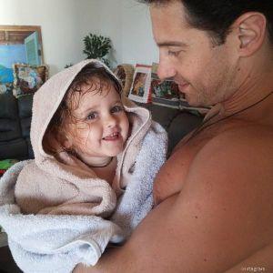Подробнее: Дочка шокировала Антона Макарского, а его жена делает селфи во время грудного кормления