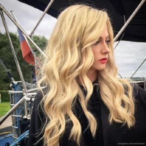 Подробнее:  Полина Максимова рассталась со своими шикарными волосами