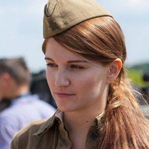 Подробнее: Евгения Малахова заслужила роль красавицы Жени Комельковой
