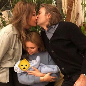 Подробнее: Стефания Маликова трогательно поздравила маму с появлением сына