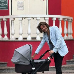 Подробнее: Дмитрий Маликов впервые опубликовал фото с подросшим  сыном в честь его юбилея
