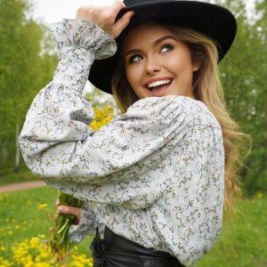 Подробнее: Стефания Маликова с подругами из МГИМО выпустила свой бренд одежды