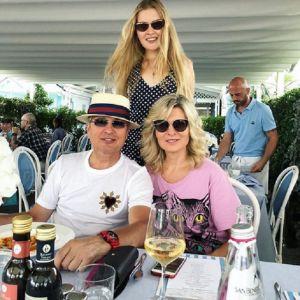 Подробнее: Жена Александра Малинина демонстрирует стройную фигуру на отдыхе в Италии