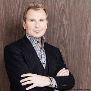Подробнее: Александр Малинин подал иск в суд на бывшую жену