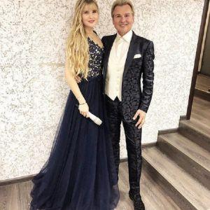 Подробнее: Дочь Александра Малинина, 18-летняя Устинья победила в конкурсе американской певицы