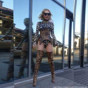 Подробнее: Маша Малиновская в боди устроила пикантную фотоссию на улице