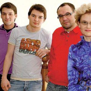 Подробнее: Супруг Елены Малышевой оказался под колесами автобуса