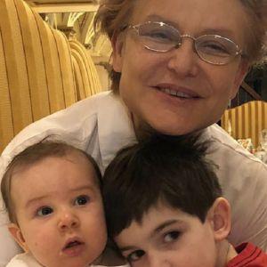 Подробнее: Появление второго внука у Елены Малышевой обернулось скандалом