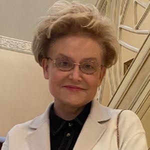 Подробнее: Елена Малышева рассказала, кому и как лечиться во время коронавируса