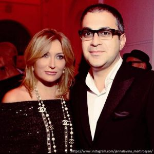 Подробнее: Жена Гарика Мартиросяна довела фанатку до реанимации