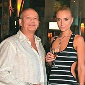 Подробнее: Дмитрий Марьянов распрощался с холостяцкой жизнью и женился