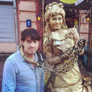Подробнее: Денис Матросов быстро нашел замену бывшей жене