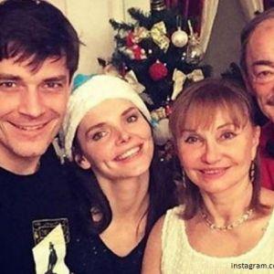 Подробнее: Максим Матвеев рассказал, как совмещает работу и семью