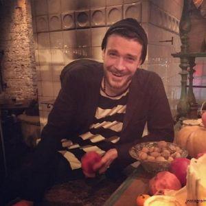 Подробнее: Максим Матвеев сыграл в новогоднем благотворительном спектакле вместе с бывшей женой