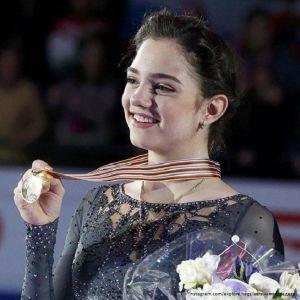Подробнее: Евгения Медведева – чемпионка мира в женском одиночном катании