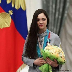 Подробнее: Дмитрий Медведев посоветовал Евгении Медведевой получить права