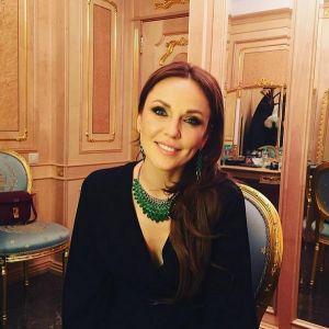 Подробнее: Альбина Джанабаева показалась с «обручальными» кольцами
