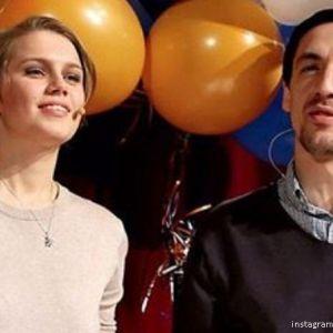 Подробнее: Дарья Мельникова и Артур Смольянинов привели сына на благотворительный вечер