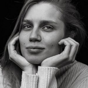 Подробнее: Дарье Мельниковой понадобилась пластическая операция