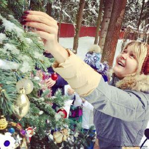 Подробнее: Юлия Меньшова  подарила близким на Новый год эксклюзивные брошки