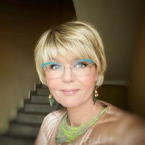 Подробнее: Юлия Меньшова рассказала, как муж Игорь Гордин развлекает ее на карантине