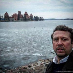 Подробнее: Андрей Мерзликин на гастролях скучает по дому