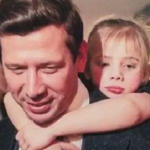Подробнее: Андрей Мерзликин поздравил с днем рождения дочь Серафиму оригинальным видео
