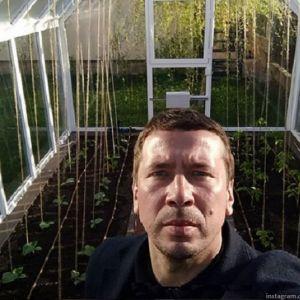 Подробнее: Андрей Мерзликин похвастался первым урожаем своих огурцов