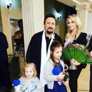 Подробнее: Жена Стаса Михайлова в день его рождения  написала трогательное поздравление и призналась в любви