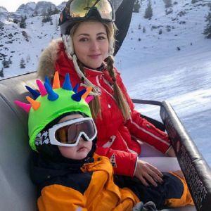 Подробнее: Анна Михайловская учит трехлетнего сына кататься на горных лыжах в Италии