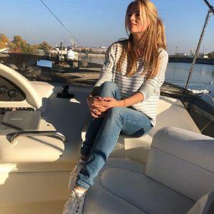 Подробнее: Разведенная Анна Михайловская показала нового возлюбленного