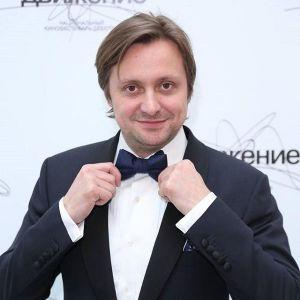 Подробнее: Артем Михалков возглавляет фестиваль дебютов «Движение»