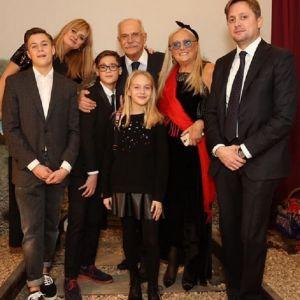 Подробнее: Татьяна Михалкова опубликовала редкие семейные кадры